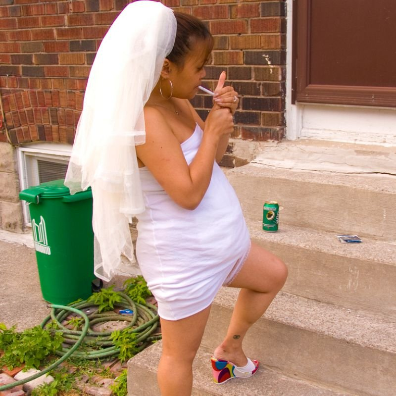 Why Do Brides Wear Garters On Their Wedding Day: 25 Crazy Wedding Photos You Just Won't Forget!