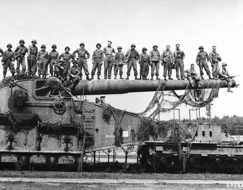 The Railway Gun Captured